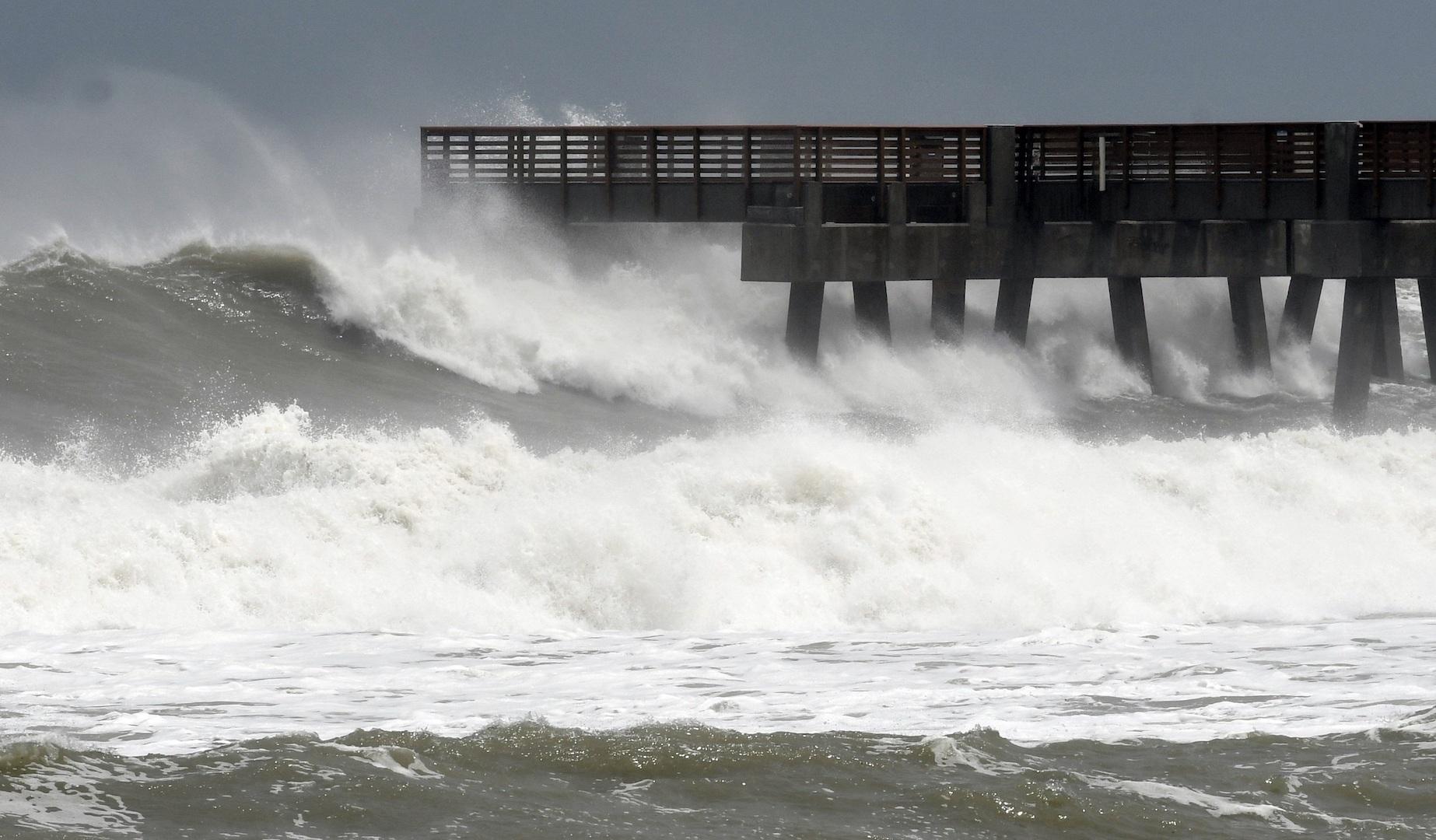 Pronostican devastadora temporada de huracanes en 2020