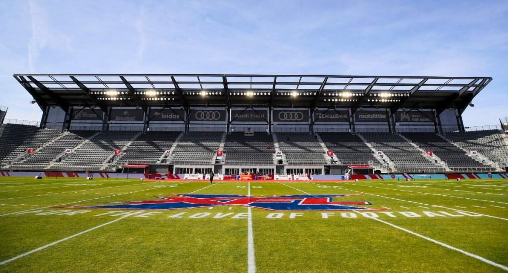 XFL se declara en bancarrota tras suspender operaciones - XFL estadio partido futbol Estados Unidos