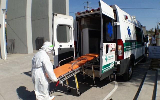 Proponen multas a quien agreda a personal médico en Guadalajara - Ambulancia hospital COVID-19 coronavirus Guadalajara