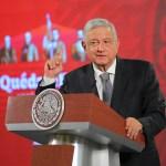 """López Obrador mandó limpiar la silla presidencial por """"estar embrujada"""""""