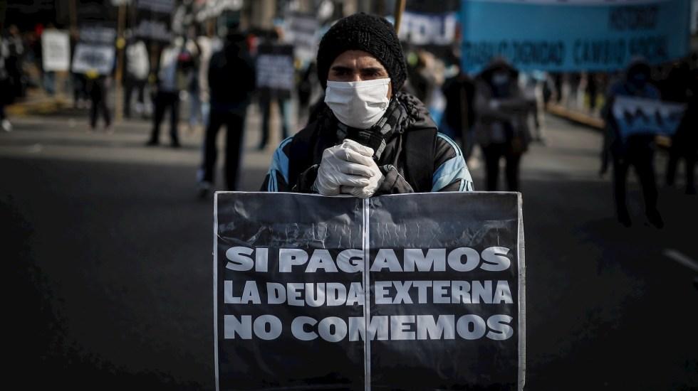 """Argentina entra en """"default técnico"""" tras incumplir pago de intereses - Argentina deuda protesta"""