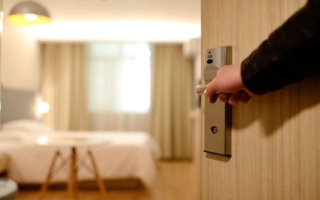 Los viajes cortos y los hoteles con estándares de hospital serán comunes en la nueva normalidad - Foto de Pexels.