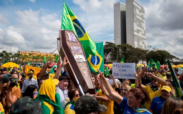 Brasil acumula 16 mil 118 muertos y 241 mil 080 casos de COVID-19 - Foto de EFE