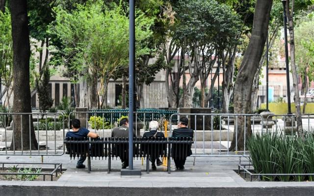 Valle de México llega a la Nueva Normalidad con 37 hospitales saturados - En el Centro Histórico se observa gran afluencia de personas, en comparación a las semanas anteriores, debido a la Jornada de Sana Distancia. Foto de Notimex-Karen Melo.