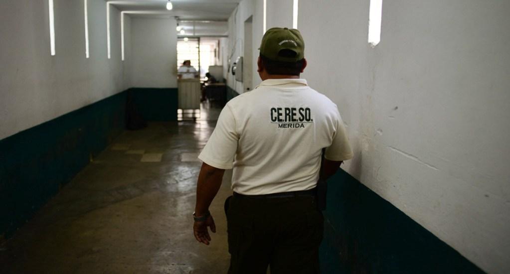 Reo muere de COVID-19 en Mérida - Custodio del Cereso Mérida. Foto de Desde el Balcón