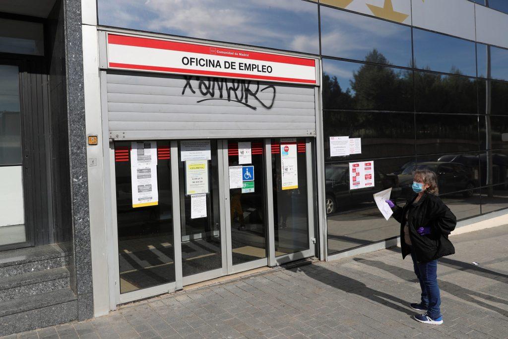 COVID-19 provoca la pérdida de casi un millón de empleos en España - Foto de EFE
