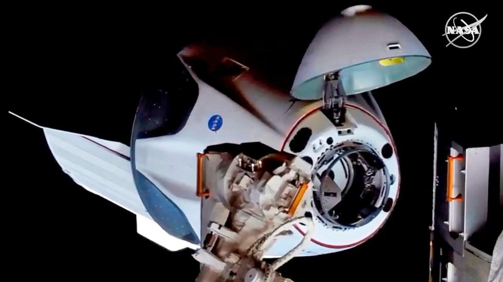 #Video La cápsula Dragon Endeavour de SpaceX se acopla a la Estación Espacial Internacional - Foto de EFE/ EPA/ NASA TV.