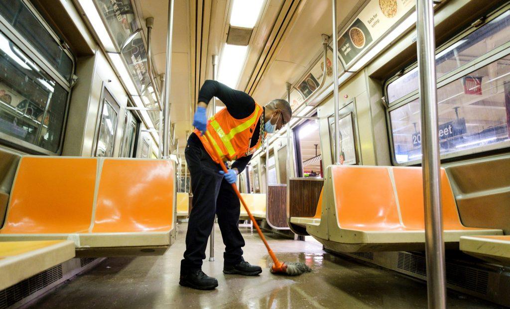 Esta noche, por primera vez, el Metro de Nueva York cerrará para realizar sanitización - Foto de EFE