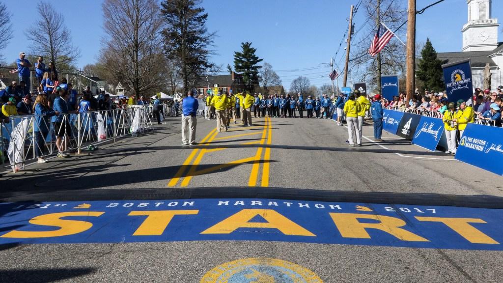 Cancelan el Maratón de Boston por primera vez en su historia - Línea de arranque del Maratón de Boston. Foto de @bostonmarathon