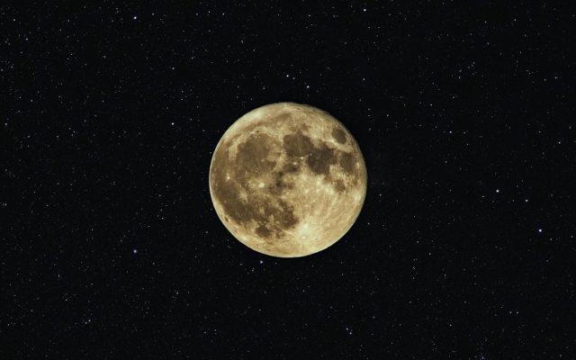 Surgen dudas de cómo se formó la Luna debido a emisiones de iones de carbono - Foto de Neven Krcmarek @nevenkrcmarek