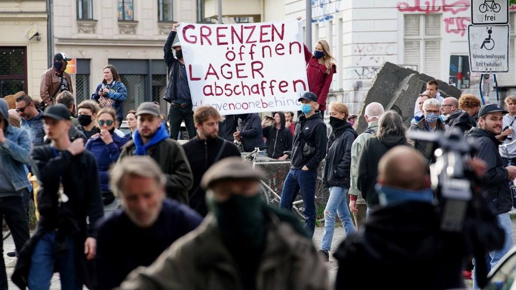 Violan cuarentena en Alemania para manifestarse por el Día del Trabajo - Manifestación por Día del Trabajo en Alemania. Foto de EFE