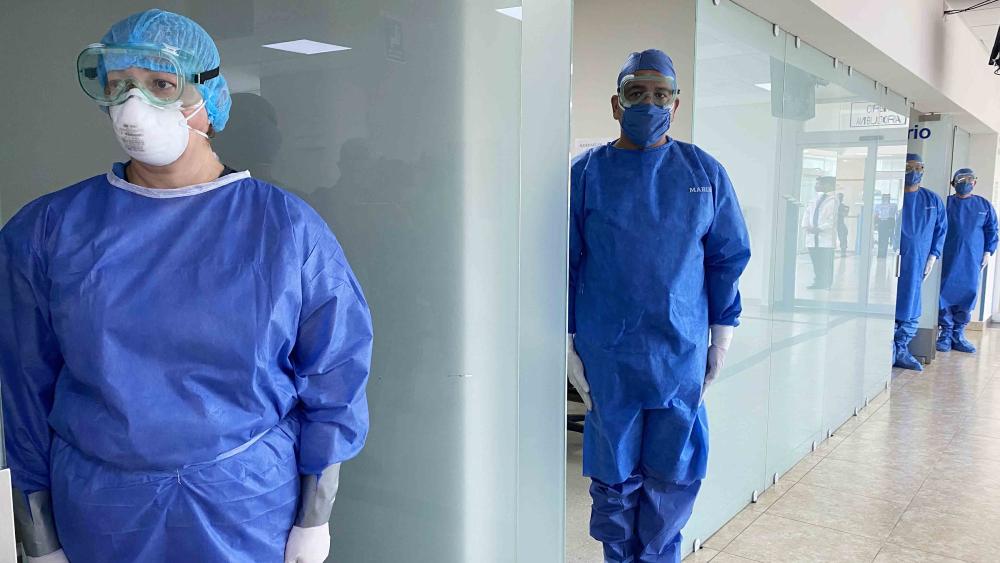 AMLO realizará homenaje a médicos y enfermeras de Marina que atienden COVID-19 - Foto de Notimex