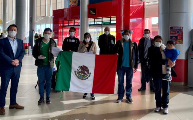 Suman 11 mil 950 mexicanos retornados con ayuda de la SRE - Foto de @EmbaMexBol