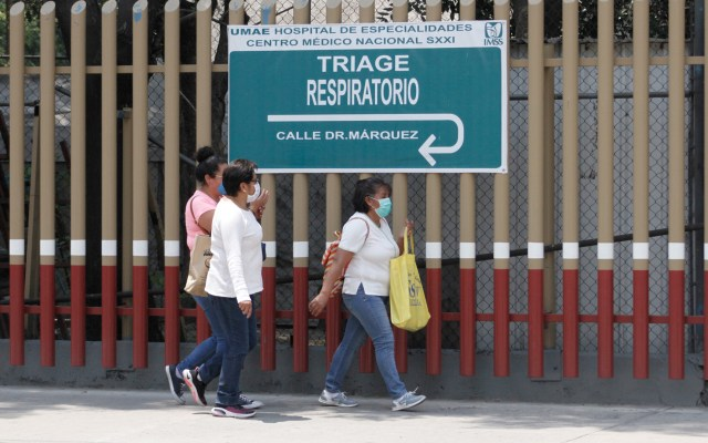 Fiscalía capitalina identifica a 12 médicos relacionados con actas de defunción para ocultar COVID-19 - Alrededores del Hospital de Especialidades Centro Médico Nacional Siglo XXI. Foto de Notimex-Romina Solís.Foto de Notimex-Romina Solís.