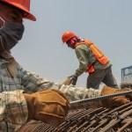Construcción reanudará actividades en CDMX con semana laboral reducida - Obreros de la construcción en la Ciudad de México. Foto de Notimex