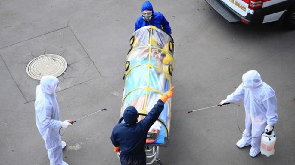 #Video Autódromo Hermanos Rodríguez recibe a primeros pacientes con COVID-19 - Paciente de COVID-19 a su llegada al Autódromo Hermanos Rodríguez. Foto de IMSS