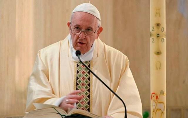 Papa Francisco subastará regalos de deportistas para recaudar fondos contra COVID-19 - papa francisco esclavitud