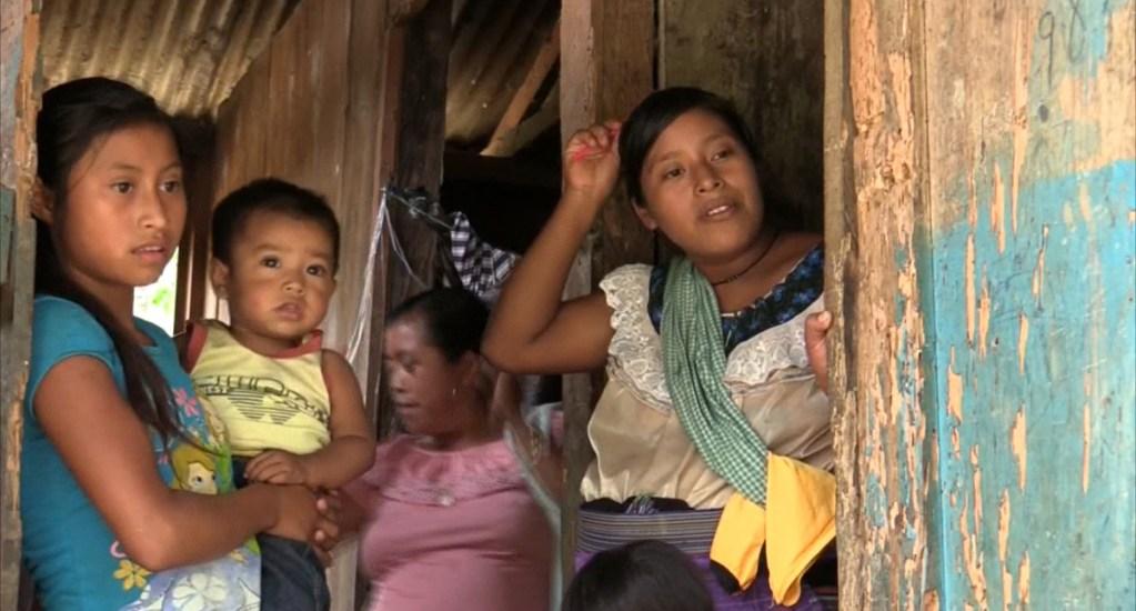 Coneval crea visor geoespacial de la pobreza y el COVID-19 en México - Personas en situación de pobreza en México. Foto de EFE