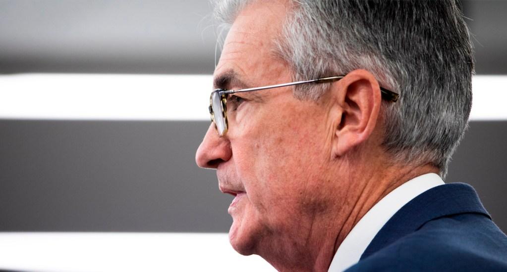 Reserva Federal de EE.UU. pide más estímulo fiscal para aliviar impacto económico por COVID-19 - Presidente de la Reserva Federal (Fed) de EE.UU., Jerome Powell