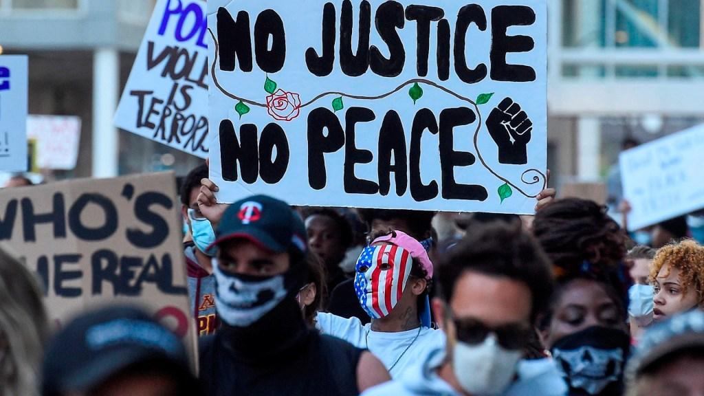 Minnesota moviliza a toda su Guardia Nacional tras disturbios - Minnesota protestas Minneapolis George Floyd