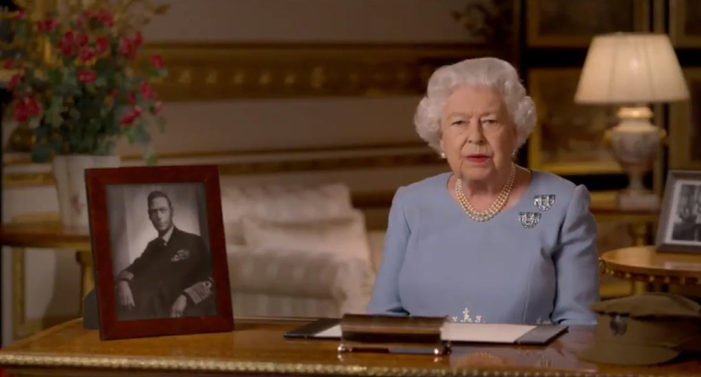 #Video Reina Isabel II recuerda el espíritu de la victoria en 'Día VE' - Reina Isabel II en su mensaje con motivo del Día VE. Captura de pantalla / @RoyalFamily