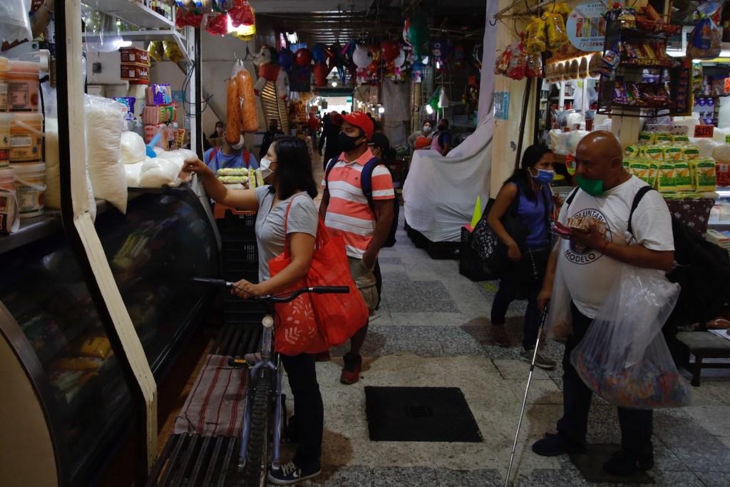 Precios al consumidor en México suben al 3.33 % interanual en noviembre - Foto de Notimex