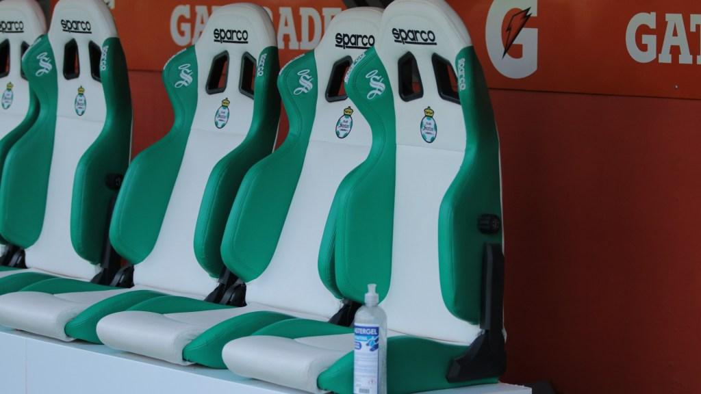 Hay cuatro nuevos casos de COVID-19 en Santos, suman 12 - Santos laguna estadio 2