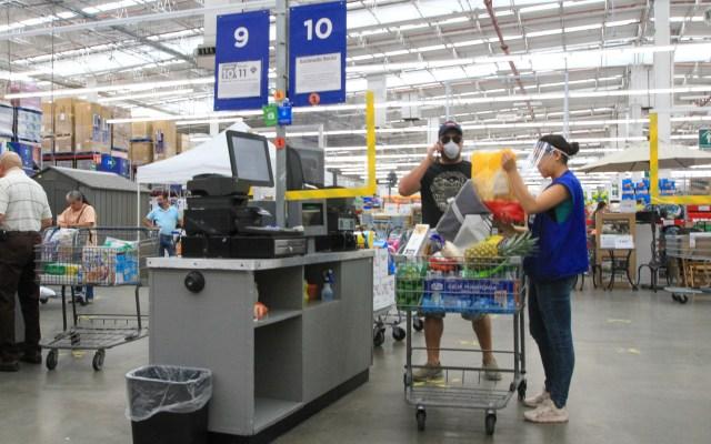 Ventas en tiendas de autoservicio cayeron 22.9 por ciento durante abril, reporta ANTAD - Filas en supermercados, con poca afluencia de clientes en la Ciudad de México. Foto de Notimex-Javier Lira.