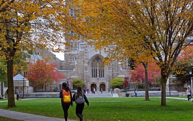 Universidades de EE.UU. debaten regresar a clases presenciales o virtuales - Universidad de Yale. Foto de @YaleAlumni
