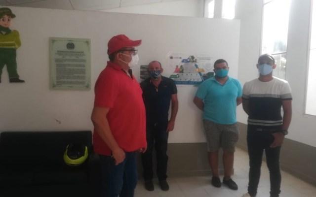 Alcalde colombiano detiene a su hijo por violar toque de queda por COVID-19 - Foto de @carloshigginsv1