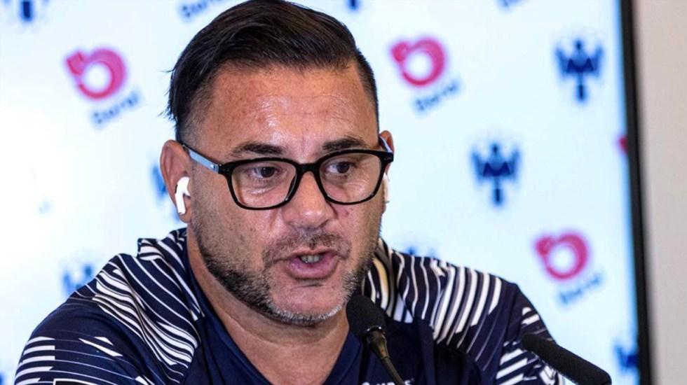 Mohamed reconoce que COVID-19 complica negociación de jugadores - Antonio Mohamed. Foto de @Rayados