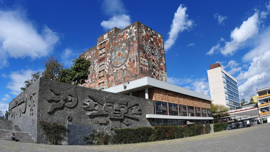 UNAM difiere fechas de aplicación de exámenes para ingreso a Licenciatura - Biblioteca Central de Ciudad Universitaria. Foto de UNAM