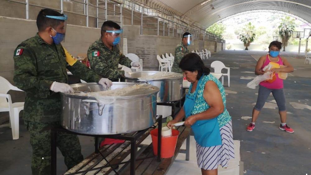 Suman 34 comedores comunitarios en Guerrero por pandemia - Foto de @HectorAstudillo