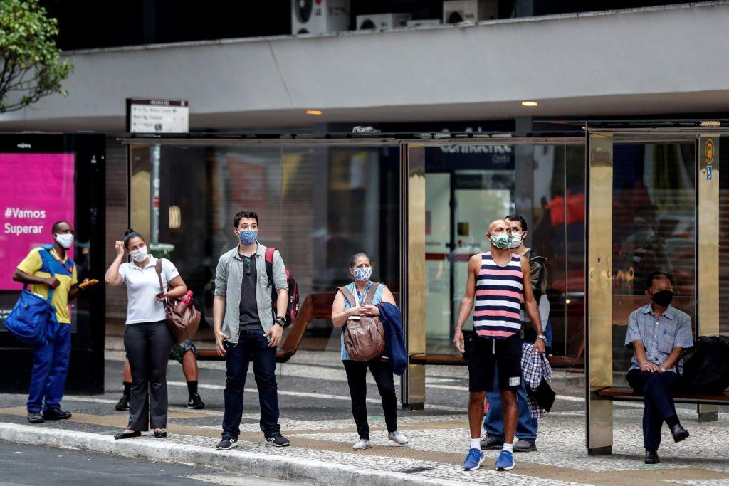 Brasil llega a 38 mil 406 muertos por COVID-19 y 739 mil 503 casos - Foto de EFE