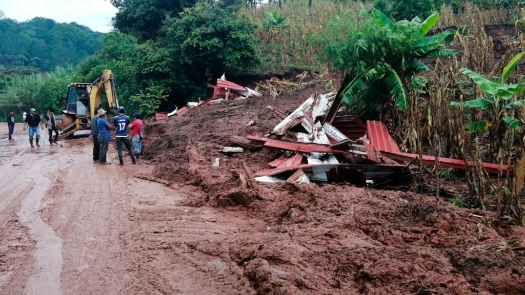 Deslave en Chiapas provoca cierre parcial de carretera - deslave carretera Chiapas