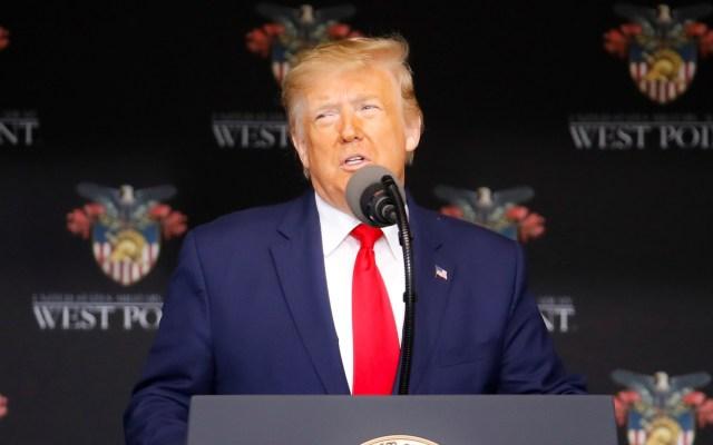 Trump advierte que no verá NFL si jugadores se arrodillan - Donald Trump en graduación de cadetes en West Point. Foto de EFE