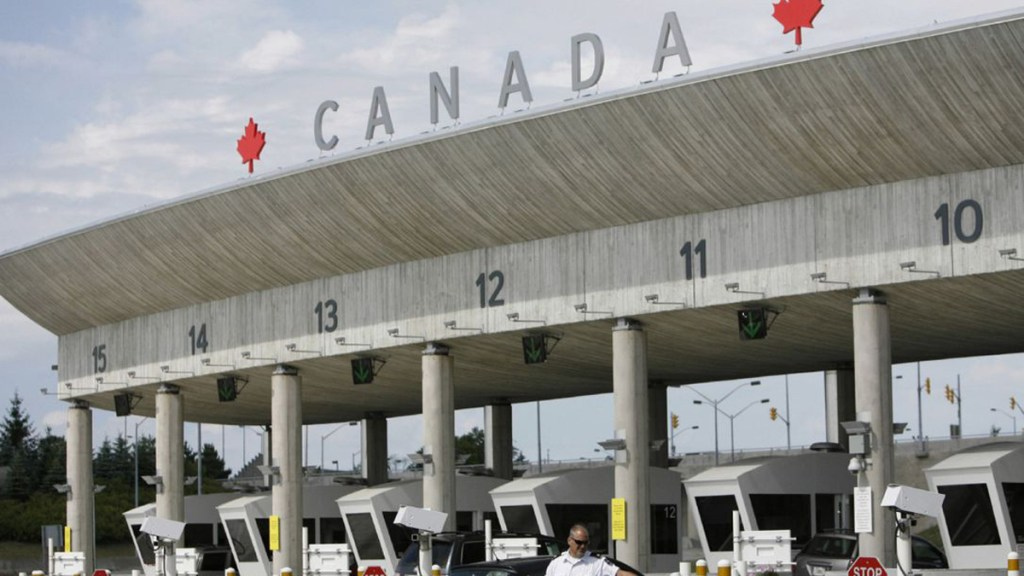 Canadá y EE.UU. extienden cierre fronterizo hasta finales de julio, afirma Reuters - Garita de Canadá. Foto de Toronto Star