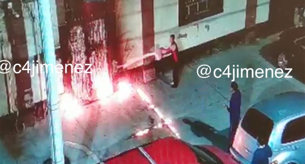 Prenden fuego a bodega y queman a vigilante en la colonia Doctores - Incendio provocado a bodega