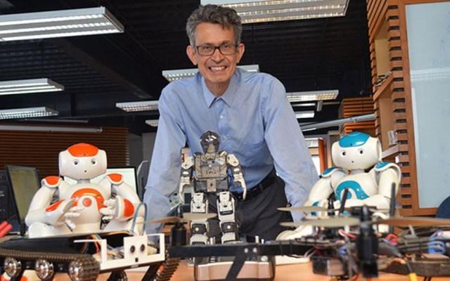 IPN desarrolla robot para sanitizar hospitales COVID-19 - Investigador Juan Humberto Sossa Azuela del IPN. Foto de @IPN_MX