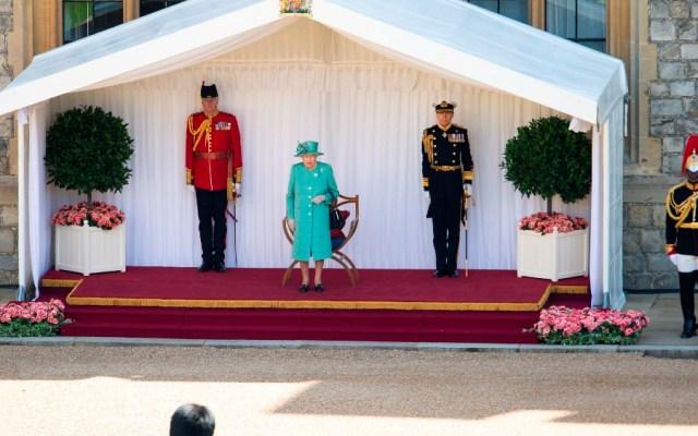 Isabel II celebra su cumpleaños sin multitud y desde el castillo de Windsor - Foto de EFE