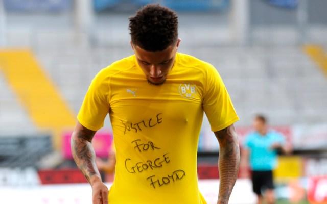 """FIFA pide """"sentido común"""" ante posibles sanciones a jugadores por muestras de apoyo a George Floyd - Jadon Sancho se une a las protestas por la muerte de George Floyd"""