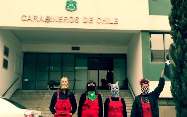 Policía de Chile denuncia a LasTesis por incitar a la violencia en su contra - LasTesis y Pussy Riot en manifiesto contra los Carabineros de Chile. Captura de pantalla