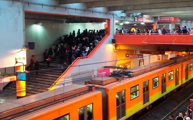 Usuarios denuncian retrasos y saturación de trenes en la Línea A del Metro - Línea A del Metro