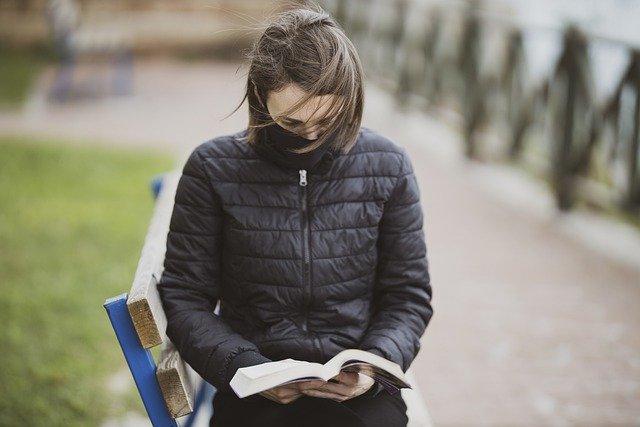 Los libros deberán adaptarse a las nuevas tecnologías e ir a donde están los lectores - Foto de Pixabay.