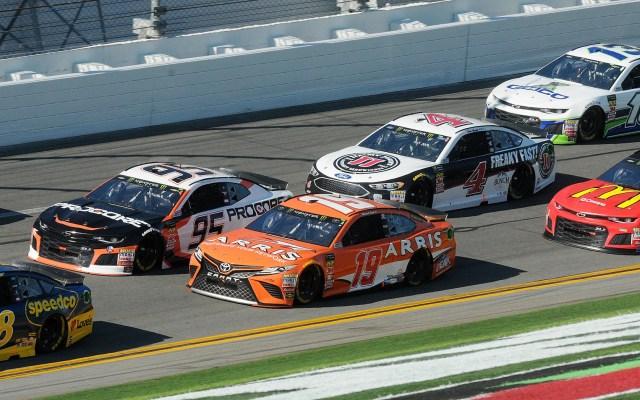 Banderas confederadas no ondearán en las carreras NASCAR - Foto de EFE