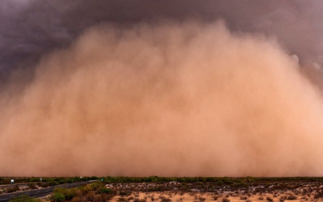 UNAM recomienda uso de cubrebocas ante llegada de polvo de África - Nube de polvo Sahara