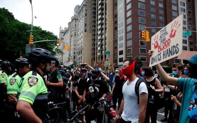 Continúan protestas para exigir cambios en Policía de Nueva York tras muerte de George Floyd - Foto de EFE