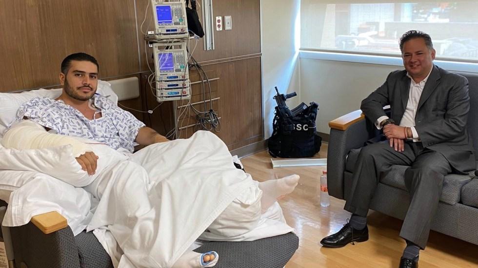 UIF solicita bloquear cuentas de presuntos participantes en atentado contra García Harfuch - Santiago Nieto, titular de la UIF, visitó en el hospital a Omar García Harfuch, después del atentado que sufrió. Foto de @SNietoCastillo