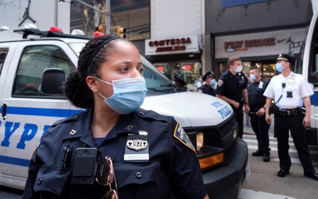 Nueva York avanza en reapertura económica con aumento de la violencia - Policía de la ciudad de Nueva York. Foto de EFE