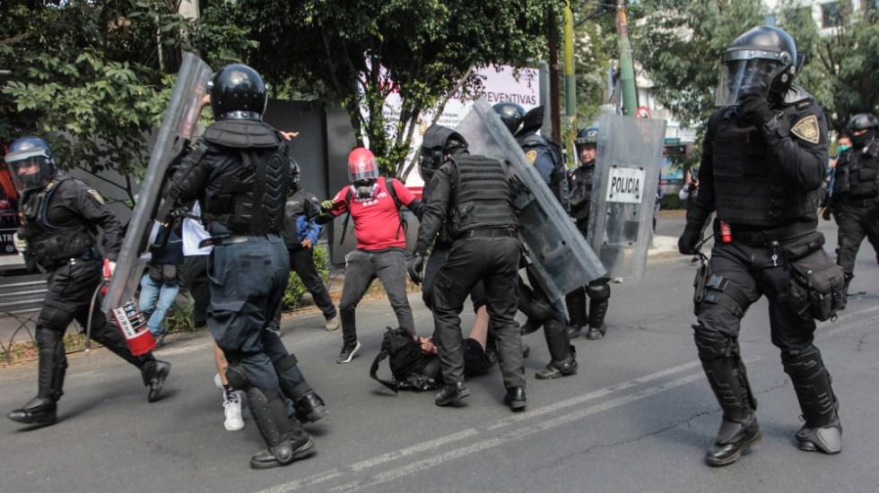 Sheinbaum presenta solicitudes para investigar y castigar abuso policial en protesta del viernes - Protesta CDMX joven policias